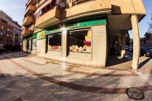 fachada supermercados Dani La Chana